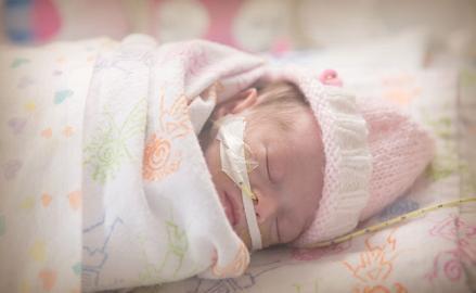 Logros en el desarrollo de un bebé prematuro